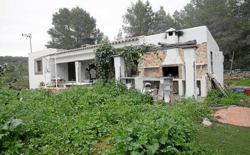 Los propietarios están rehabilitando la casa para que sea habitable.