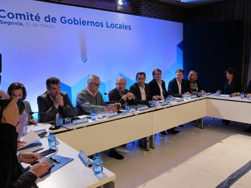 El ministro de Hacienda, en la reunión del Comité de Alcaldes del Partido Popular.