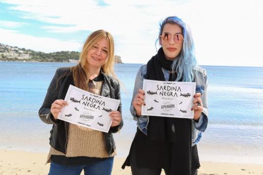 Sophie Princic y Cristina Sainz, componentes de WindRose, se transforman en Sardinas Negras para el Periódico de Ibiza y Formentera y la Televisió d'Eivissa i Formentera.
