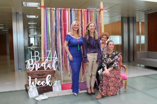 La presentación de esta segunda edición con Marta Díaz, Carmen Ferrer y las organizadoras Marina Amorós y Cristina Escudero.