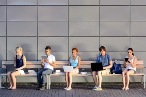Las redes sociales son un factor de riesgo para la autoestima de la juventud.
