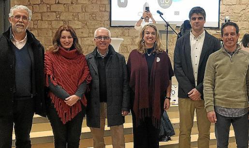 Mateu Ginard, Maria Paula Ginard, Miquel Fullana, Tiffany Blackman, Sebastià Solivellas y Jaume Fullana.