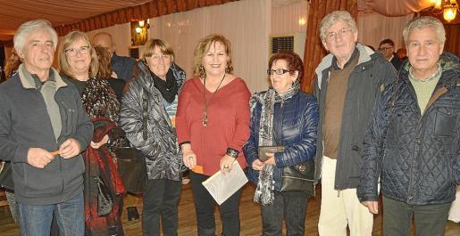 Tomeu Camps, Antònia Torrelló, Xisca Jodrà, Rosa Alcover, Bel Castelló, Rafel Oliver y Biel Ferriol.