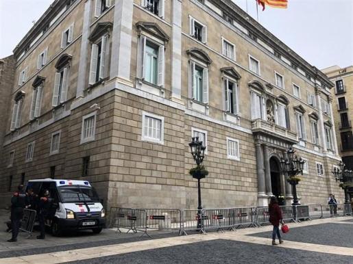 Detienen a un alto cargo de la Generalitat y registran su despacho y la sede de Omnium por los pagos del 1-O