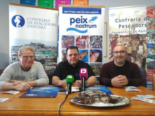 Toni Cardona, Pere Valera y Joan Castelló en la rueda de prensa.