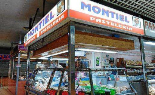 En Salazones Montiel ofrecen una amplia variedad de bacalao además de mojama, sardinas y peix sec de Formentera, entre otros.