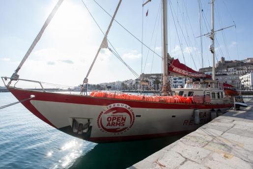 El velero 'Astral' recaló en Ibiza el pasado mes de febrero para trasladar en primera persona su labor humanitaria en la mar.