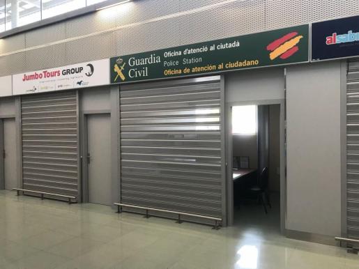 Imagen de la oficina abierta ayer por la Guardia Civil.