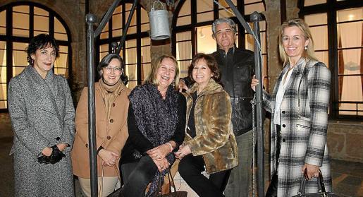 Neus Cortés, Pilar Moreno, Águeda Ropero, Rosa Ruesga, Antonio Cañellas y María Dolores Caldentey.