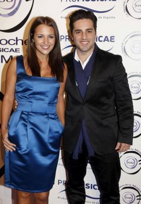 El cantante David Bustamante (d) y la actriz Paula Echevarría, en una imagen de archivo.