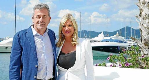 El director de Marina Botafoch, Pepe Roselló, junto a la vicepresidenta segunda del Consell d'Eivissa, Marta Díaz.