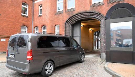 Carles Puigdemont ha ingresado en la cárcel alemana de Neumünster, en el estado de Schleswig-Holstein, en el norte de Alemania, tras ser detenido por la mañana después de cruzar la frontera desde Dinamarca, según ha informado la agencia de noticias dpa.