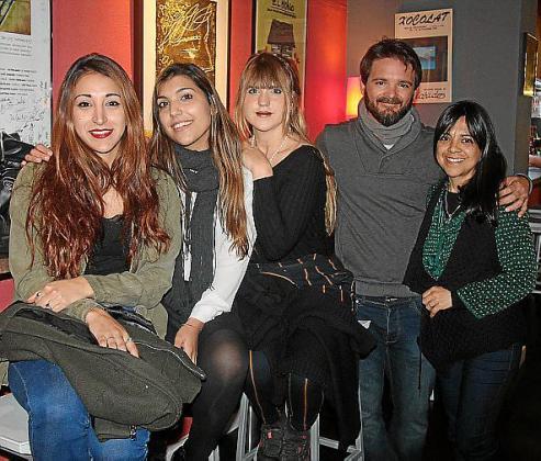 Agustina Álvarez, Carla Ibarra, Rosa Santmartí, Nacho González y Lorena Mongelós.