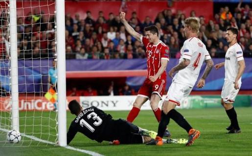 El Bayern complica el sueño del Sevilla.