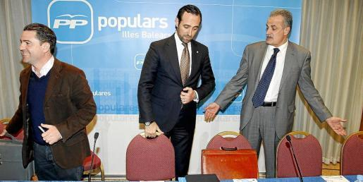 El expresident José Ramón Bauzá estará ahora a las órdenes de Miquel Ramis, a la derecha, su antiguo secretario general.