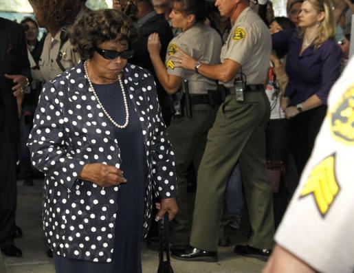 Katherine Jackson, madre del artista fallecido, llega al juicio contra el doctor Conrad Murray.