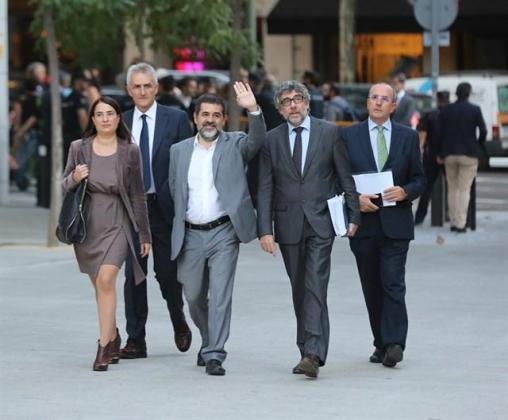 "Sànchez comunica su ""plena disposición"" para aspirar a presidente de la Generalitat."