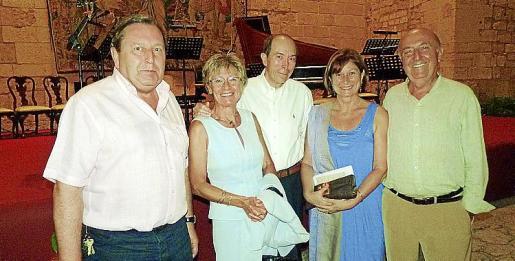 Pedro Martínez, Pilar Gassó, Maximino Forés, Lola y Ramiro de la Mano.
