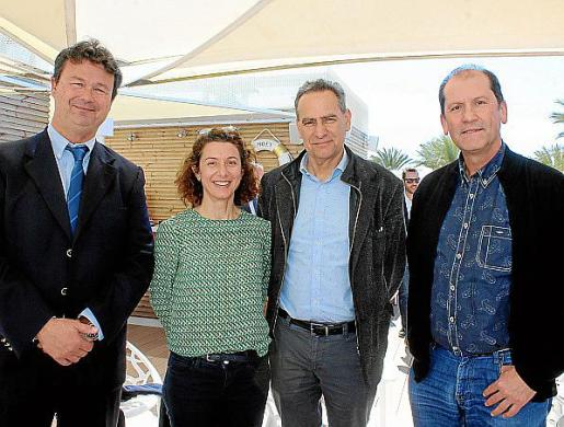 Jaume Carbonell, Elena Pipó, Xavier Ramis y Félix Chicón.