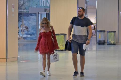 Ana Obregón se despide de Ibiza tras una pequeña escapada de tres días.