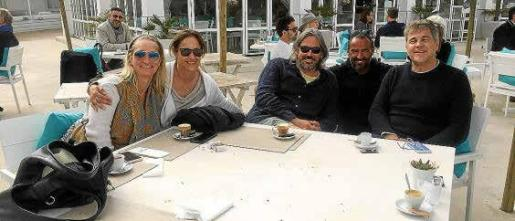 Atzaró Beach (CALA NOVA) || Rachel, Geli, Juan, Jaume y Victor