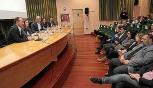 Armengol y Negueruela escuchan las experiencias de los representantes de Carrefour, Mercadona, Eroski e Iberostar con el SOIB.