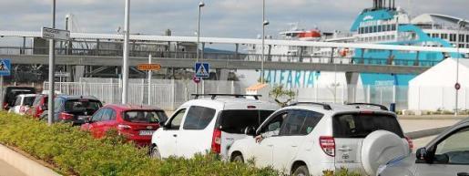 Las navieras advierten de su pérdida de competitividad en caso de no tener las mismas condiciones que el transporte aéreo.