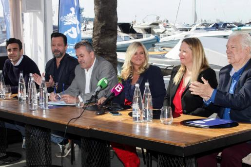 El acto se celebró ayer por la mañana en el restaurante It de Marina Botafoc, con la presencia de los chefs participantes en las jornadas gastronómicas, la administración pública y la organización.