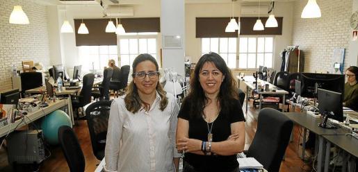 Rosa María Díaz y Ana Seijo, en el coworking Wohaby.