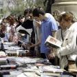 Sant Jordi, el Día del Libro en el Paseo Vara de Rey de Ibiza