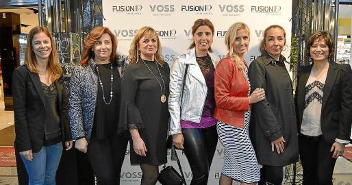 Catalina Villalonga, Catalina Coll, Francisca Ochogavía, Raquel Sirvent, Cati Ripoll, Leticia Molins y Joana María Crespí.