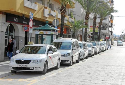 Imagen de archivo de una parada de taxis.
