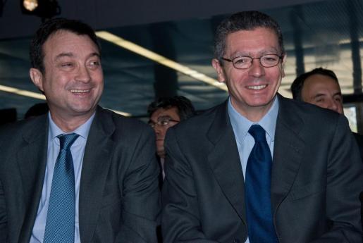 Manuel Cobo (i) y Alberto Ruiz-Gallardón (d) en una imagen de archivo.