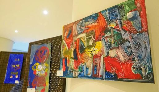 Los niños y niñas de APNEEF realizaron sus obras junto a los artistas Lina Torres y Gustavo Eznarriaga en las jornadas de arte que se llevaron a cabo el año pasado.