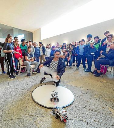 A lo largo de toda la mañana se organizaron todo tipo de actividades relacionadas con la robótica en el Palau de Congressos.