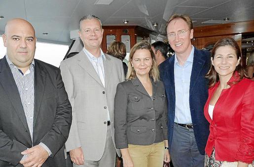 Jaime Martínez, Kevin George, María Salom, Paul Abrey y Mar Guerrero.