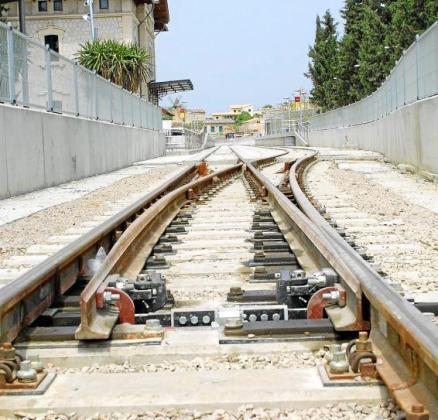 El plan de movilidad no se conocerá hasta dentro de un mes, aproximadamente, pero el conseller Marc Pons ha asegurado que el Govern sopesa incorporar nuevas líneas de tren y la ampliación del metro a la UIB y a Son Espases.