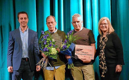 Llorenç Galmés, alcalde de Santanyí; Joan Josep Barceló, ganador del Premi Bernat Vidal i Tomàs; Josep Hernàndez, ganador del Premi Ferrando; y Ricarda Vicens, regidora de Cultura.