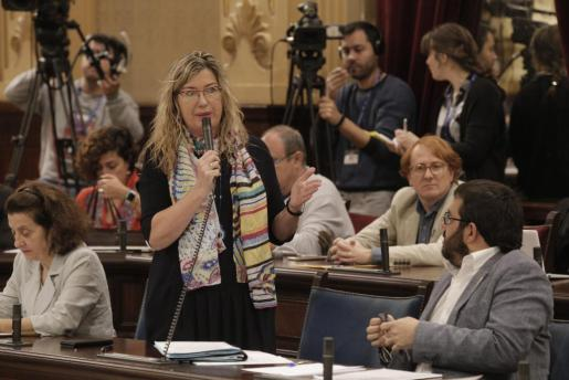 Imagen de archivo de la consellera de Salut, Patricia Gómez, durante una intervención en el Parlament.