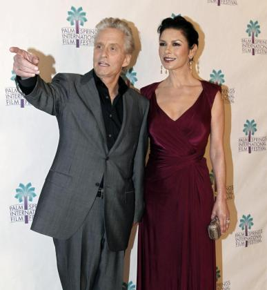 Foto de archivo de los actores Michael Douglas y Catherine Zeta-Jones.