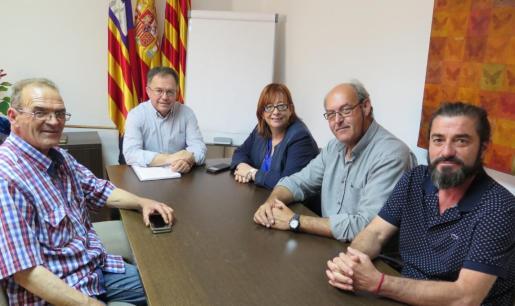 Los asalariados del taxi piden más licencias fijas al Ayuntamiento de Sant Josep.