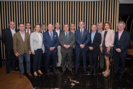 Zoido se reunió ayer con los principales responsables políticos de Ibiza y representantes del sector turístico de la isla en una cena organizada por el empresario Abel Matutes Juan.