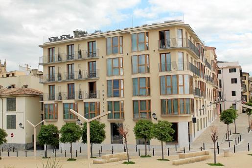 El hotel, de cinco estrellas, está situado en el casco antiguo de Palma.