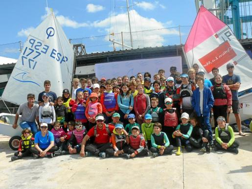 Una imagen de los participantes en la primera jornada de la regata.