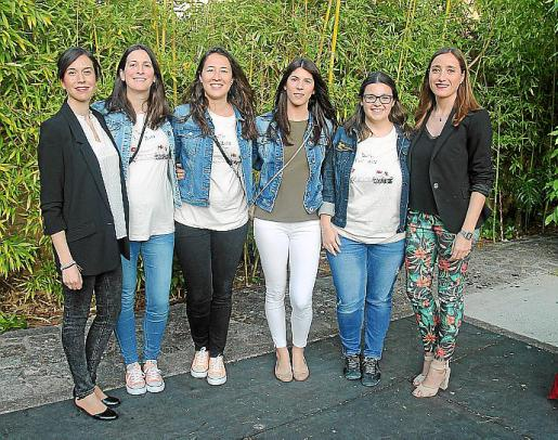 Antònia Maria Miró, Bàrbara Mayol, Sara Luque, Carolina Martínez, Elionor Pérez y Maria Àngels Castanyer.