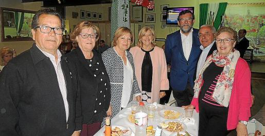 Manuel Cabeza de Vaca, Loli Osuna, María Martín, Mariví García, Pedro Anaya, Francisco Varea y Carmen Amado.
