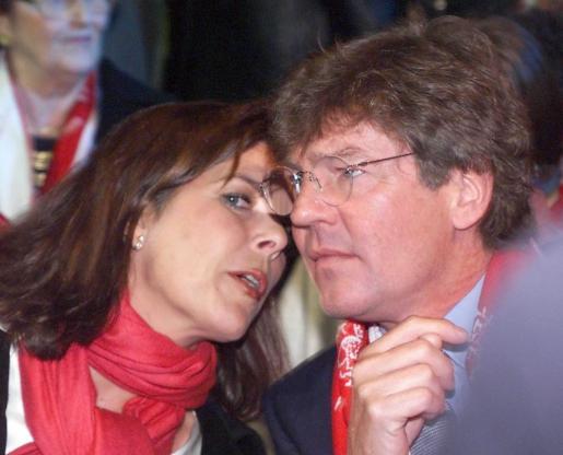 El principe Ernesto de Hannover y su esposa Carolina de Mónaco.