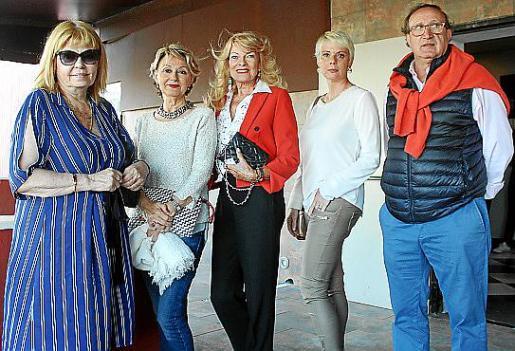 Ascen Verd, Chus Gabilondo, Marita Rehme, Aina Aguiló y Jorge Gabilondo.
