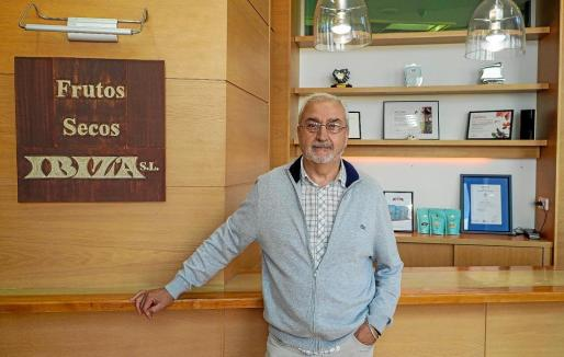Frutos Secos Ibiza celebra este año su 40 aniversario y su propietario, Vicente Madrid, reconoce que la empresa está pasando por un momento «muy bueno» y que, además, «sigue creciendo».