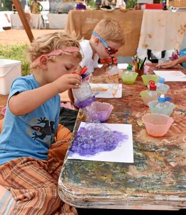 Talleres para niños, kokedamas y organillos de manubrio son algunos de los tesoros que se pueden encontrar en este particular festival.